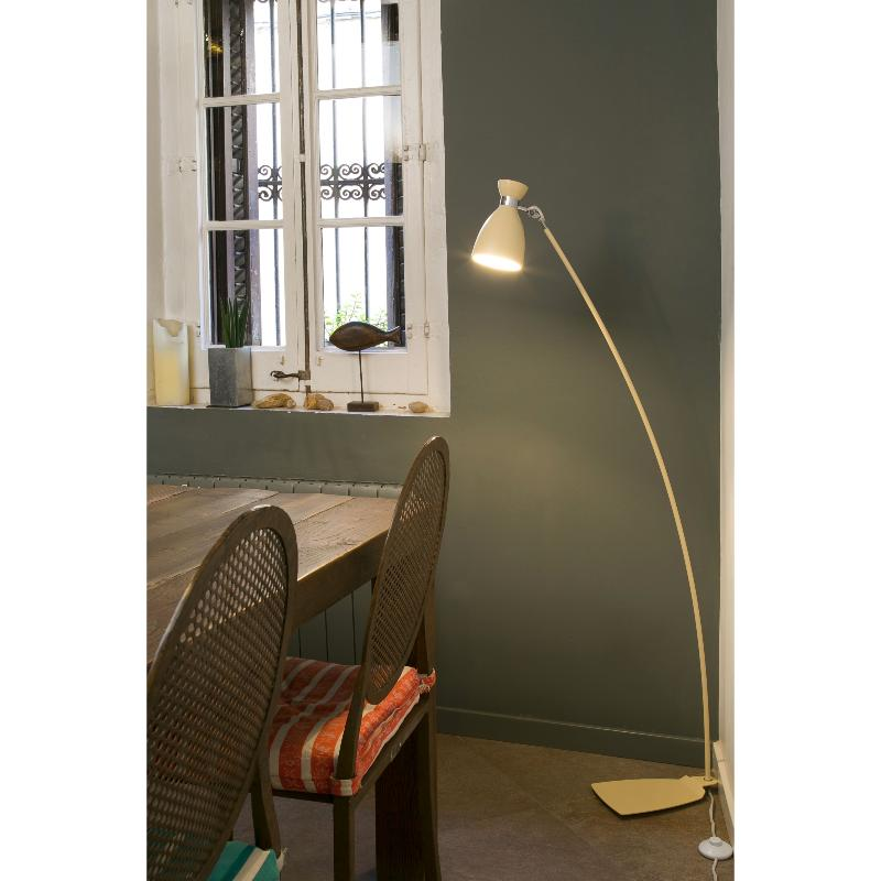 lampadaire design int rieur retro faro rouge. Black Bedroom Furniture Sets. Home Design Ideas