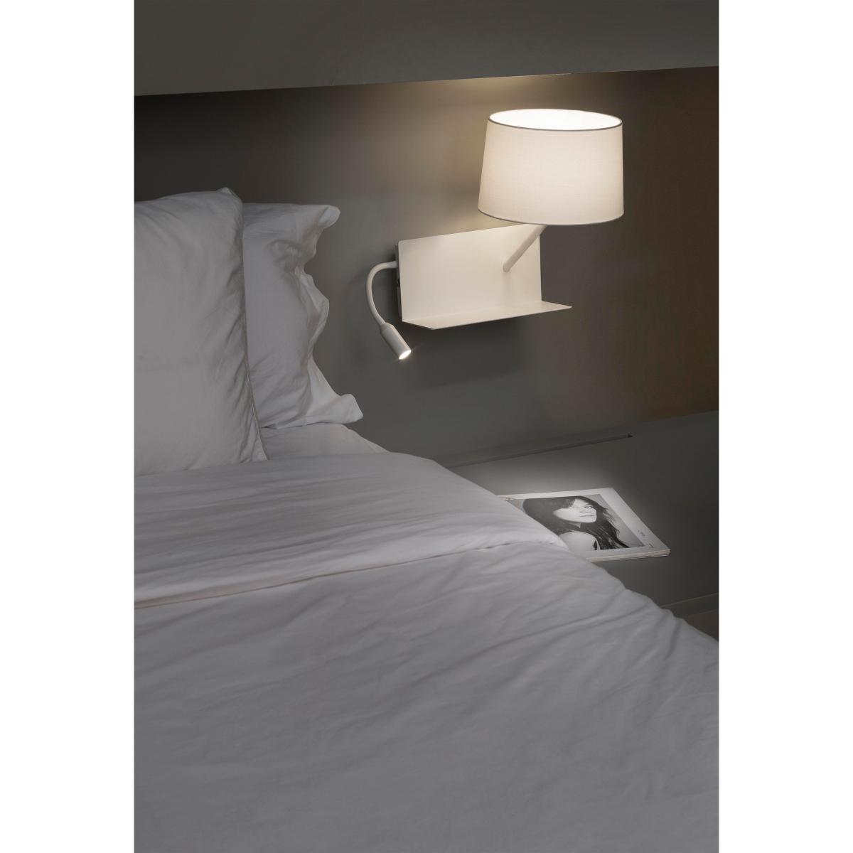 applique liseuse droite tag re led port usb faro handy 28414. Black Bedroom Furniture Sets. Home Design Ideas